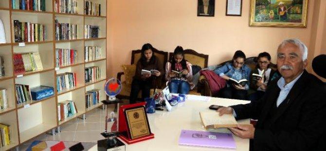 Gurbetçiden memleketine halk kütüphanesi
