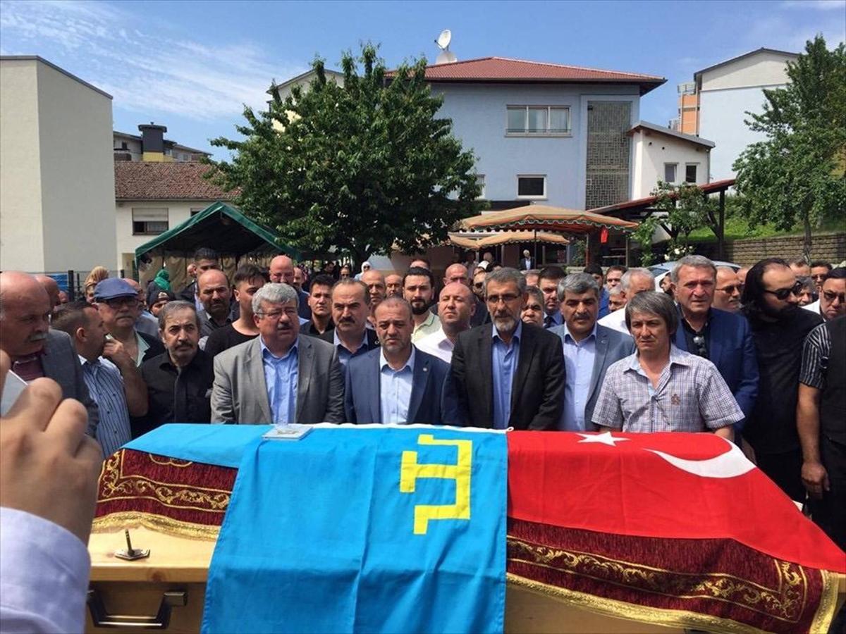 Türk dünyası Rafet Karanlık'ı yalnız bırakmadı