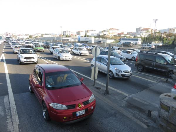 İstanbul'da bayram dönüş trafiği