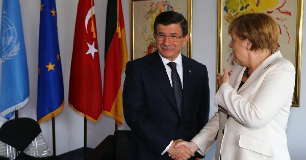 Başbakan Davutoğlu, Merkel ile ABD' de görüştü