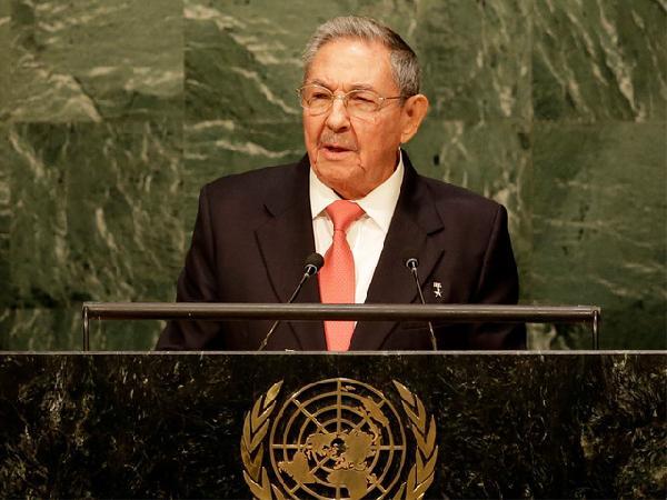 """Raul Castro: """"Ambargoyu kaldırın artık"""""""