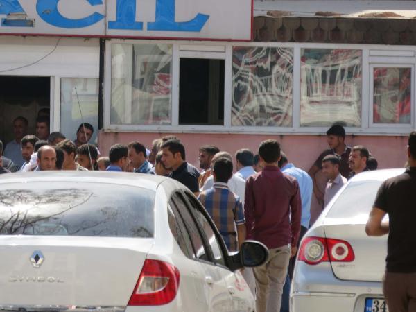 Akçakale'de akraba minibüsçülerin yolcu kavgası: 1 ölü