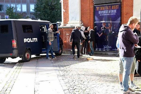 İslam karşıtı gösteride 3 kişi gözaltına alındı