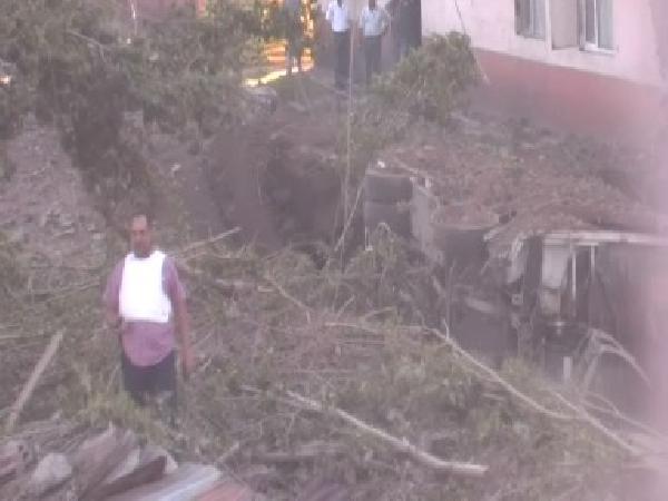 Tatvan Orduevi yakınında askeri araca bombalı saldırı: 20 asker yaralı - fotoğraf