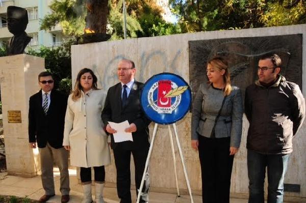 Adana'da 'yanlışlıkla' yıkılan Basın Özgürlüğü Anıtı yeniden yapılacak