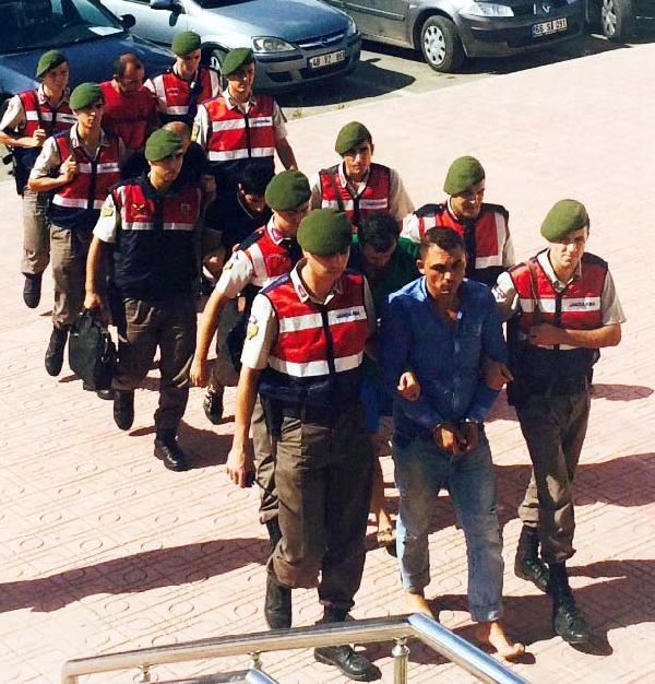 17 göçmenin öldüğü tekne faciasına 5 gözaltı (2)