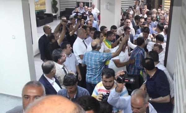 Şanlıurfa Büyükşehir Belediye Başkanı Ak Partili Çiftçi'ye silahlı saldırı (3)