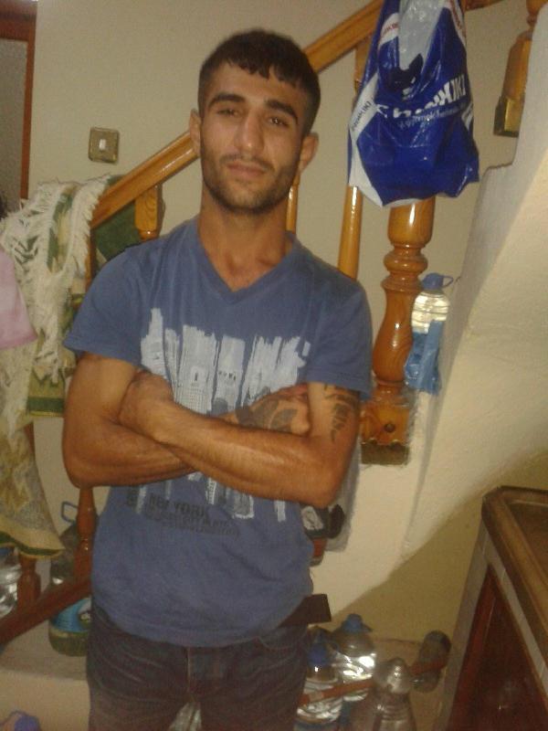 'Yan baktın' cinayeti zanlısı polise teslim oldu