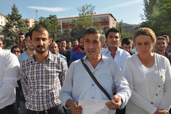 Çukurca'da 2 öğretmen ile 1 memur gözaltına alındı