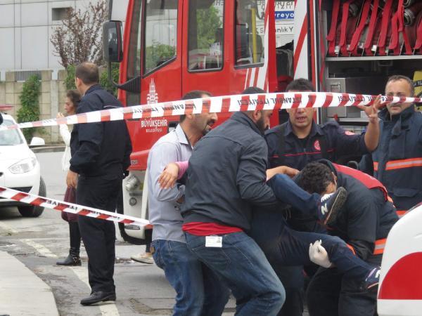Kartal'da kaza: 1 ölü 3 yaralı (1)