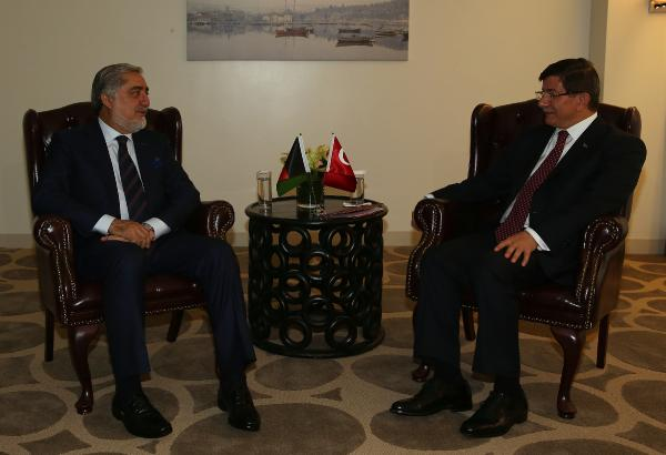 Davutoğlu, Afganistan İcra Kurulu Başkanı ile bir araya geldi