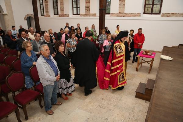 Yunanistan'dan gelen Rumlar Gölyazı'da ayine katıldı