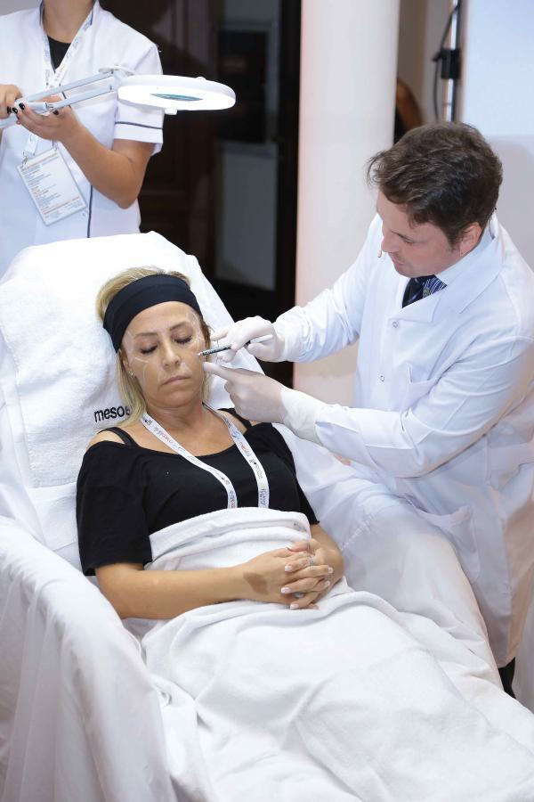 Dünyaca ünlü dermatolog ve estetik cerrahlar İstanbul'da