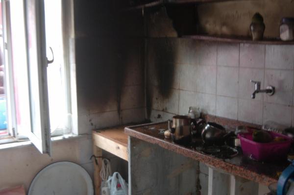 Ocakta unutulan yemek yangın çıkardı