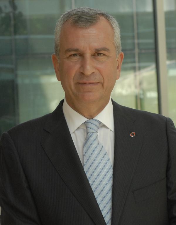Tüpraş'ta Genel Müdür Erkut yerini Yelmenoğlu'na bırakıyor