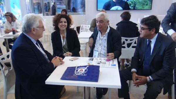 Uluslararası Paris 'IFTM Top Resa' Turizm ve Seyahat Fuarı'nda Türkiye'nin standı yoğun ilgi gördü