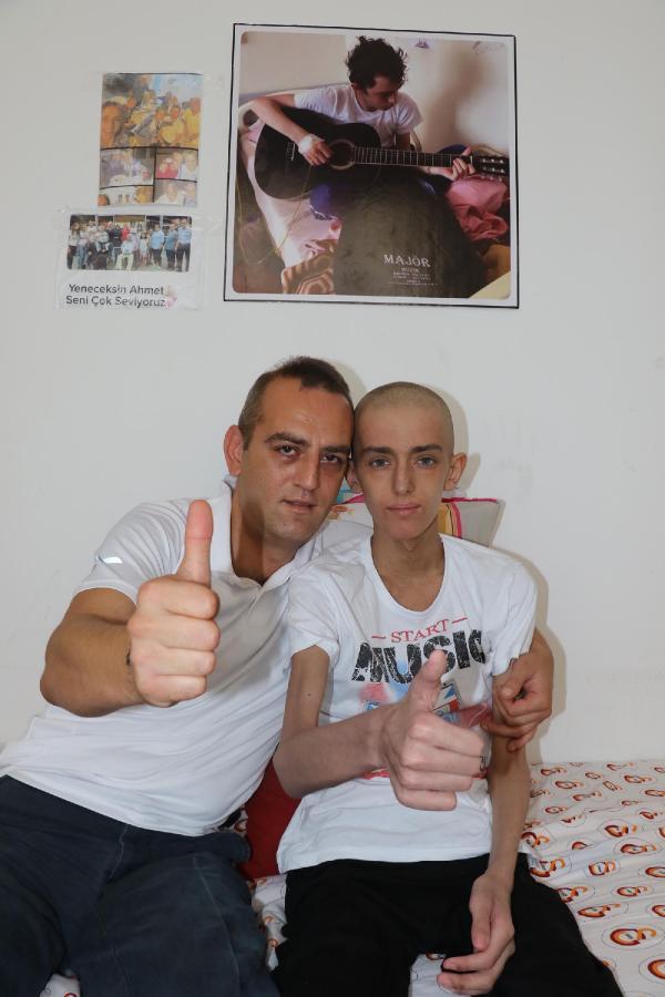 Liseli Ahmet'in kanserle mücadelesine destek yağdı