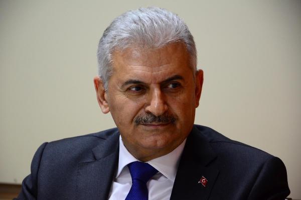 Binali Yıldırım'dan Ahmet Hakan'a saldırıya kınama