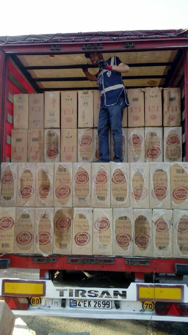 Şanlıurfa'da 140 bin paket sigara ele geçti