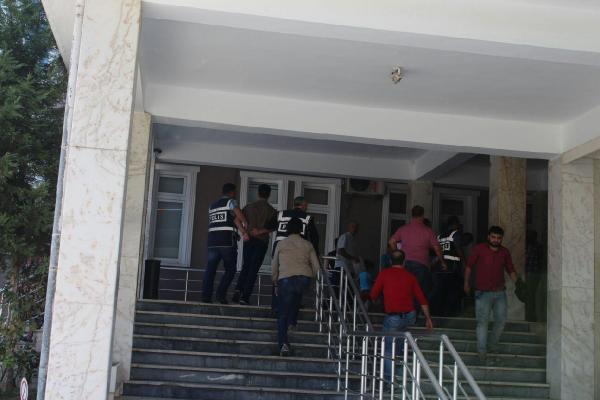 Bankadan 43 bin lira çalan soyguncular tutuklandı