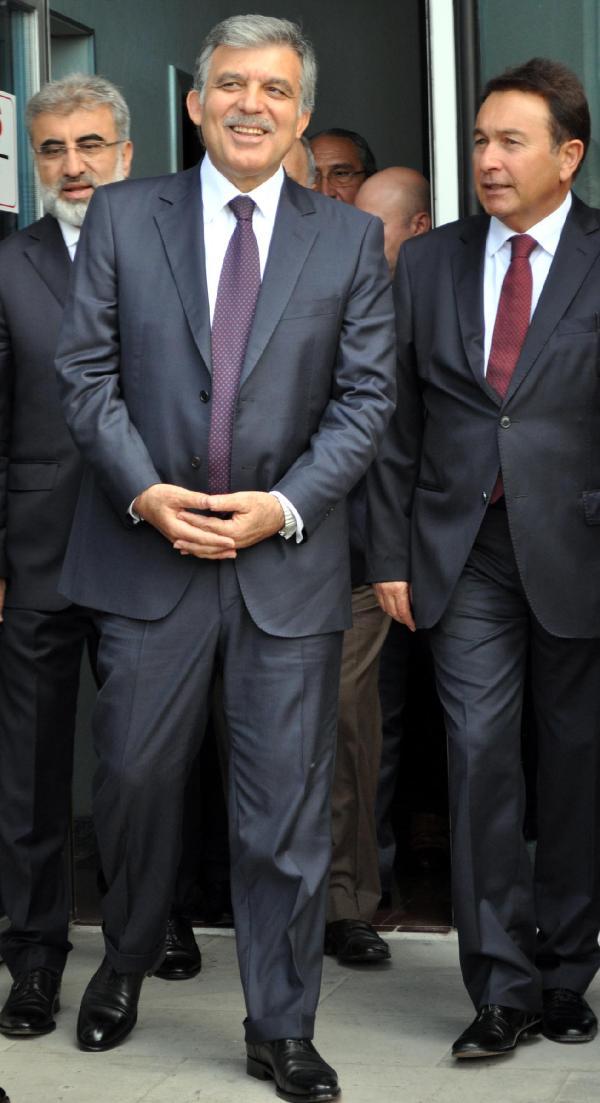 Abdullah Gül: Gazeteciye saldırı tasvip edilemez, yapanlar mutlaka cezalandırılmalı