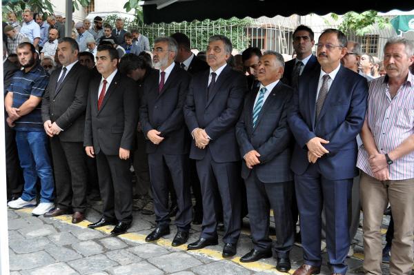 Abdullah Gül: Gazeteciye saldırı tasvip edilemez, yapanlar mutlaka cezalandırılmalı (2)