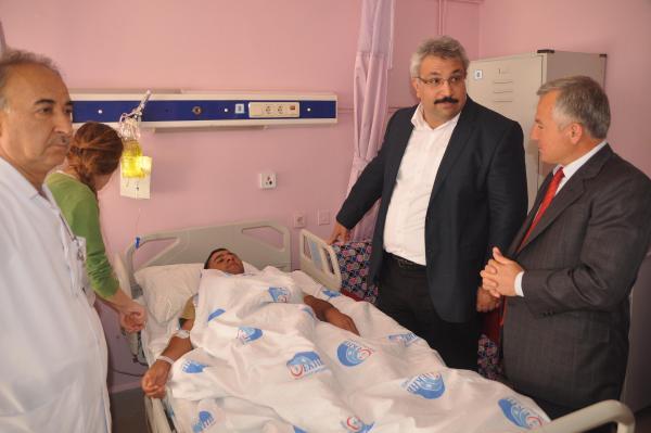 Edirne'de askeri araç devrildi: 1 şehit, 3 yaralı (3)