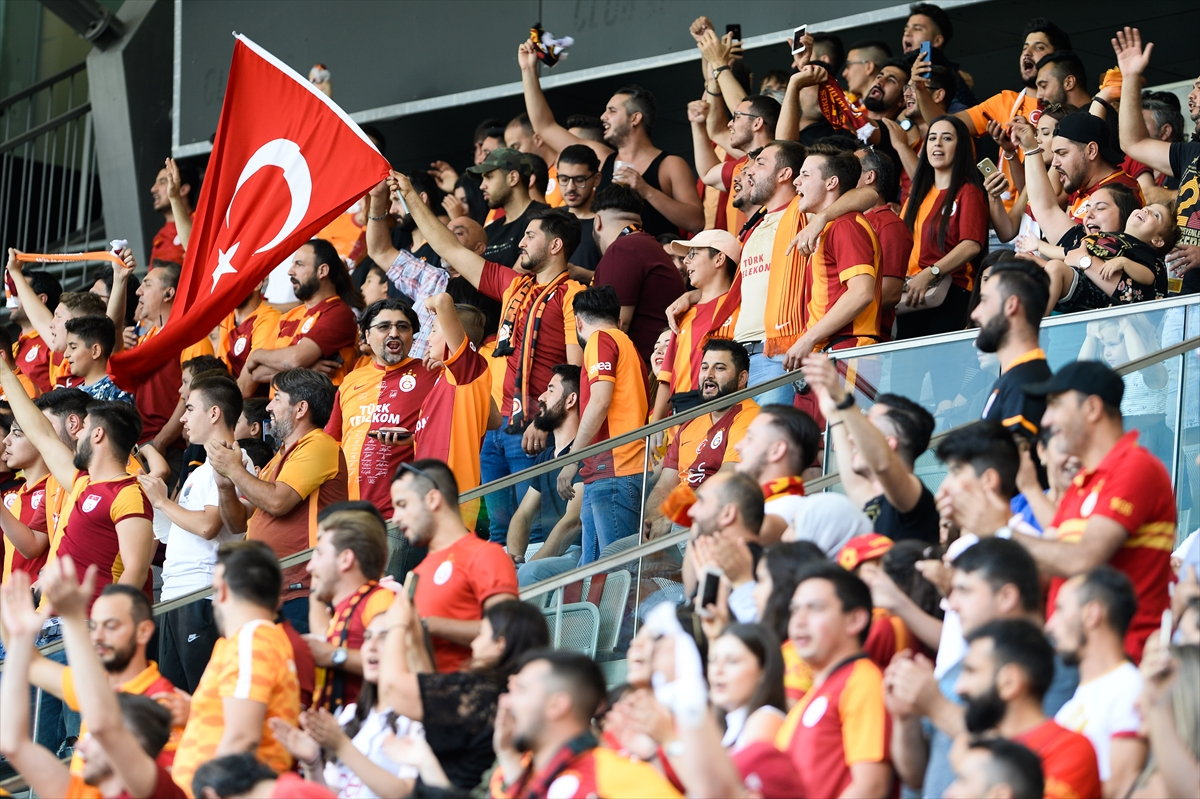 Gurbetçiler Galatasaray'ı yalnız bırakmadı