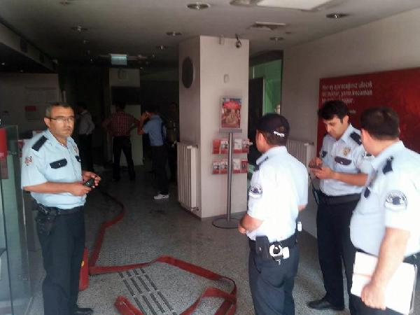 Ereğli'de banka şubesinde yangın paniği: 13 kişi mahsur kaldı