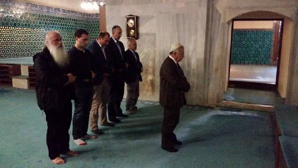 Gürcistanlı Başpiskopos'ın 'namaz' sürprizi şaşırttı