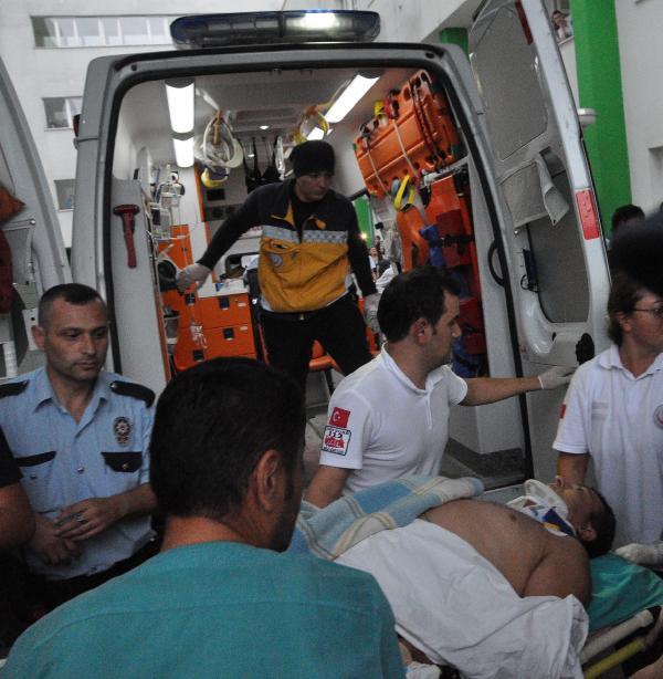 Giresun'da jandarma aracına ateş açıldı: 1 asker yaralı (2)