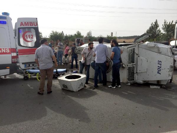 Diyarbakır'da zırhlı polis aracı takla attı, 3 polis yaralandı