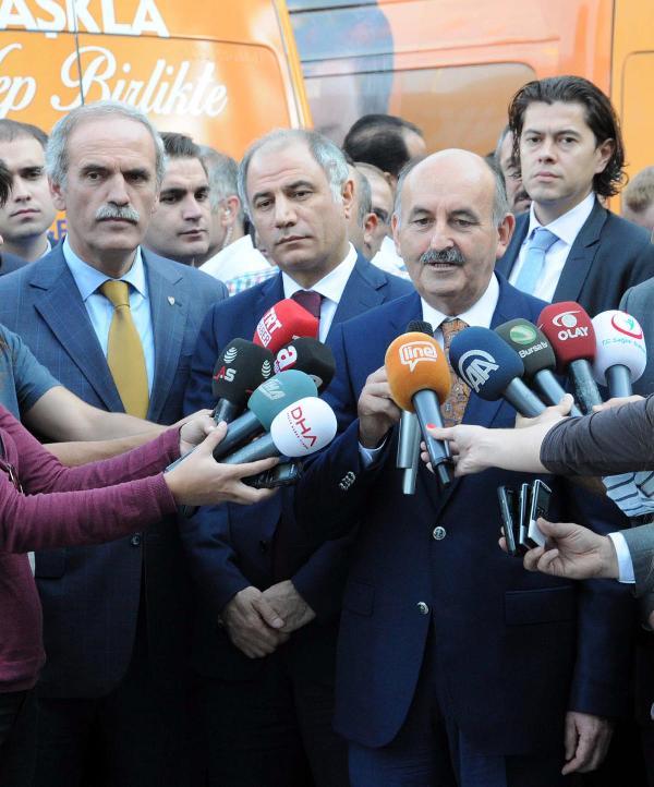 Bakan Müezzinoğlu Bursalılar'la birlikte sağlıklı yaşam için bisiklet kullandı (2)