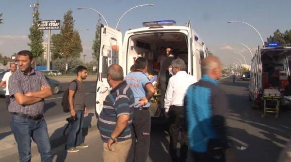 Ankara- Eskişehir yolunda kaza: 3'ü ağır 12 yaralı
