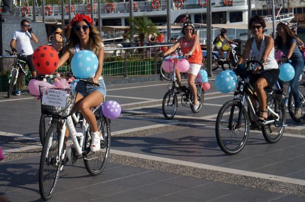 'Süslü Kadınlar', Marmaris'te pedal çevirdi