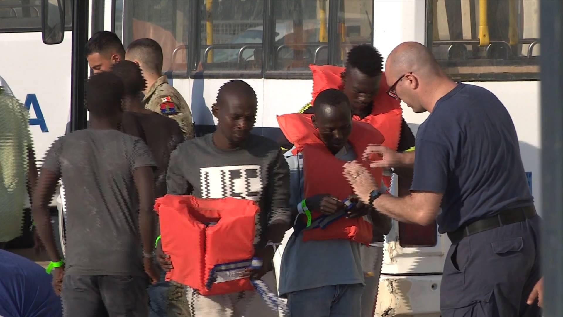 Malta'da 76 göçmen kurtarıldı