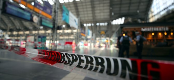 Münih'te tren istasyonunda kavga