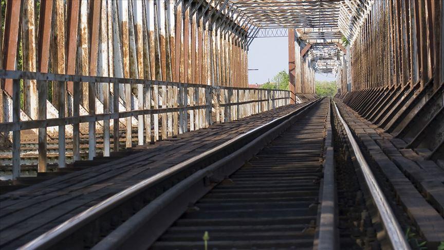 700 tren seferi iptaledildi