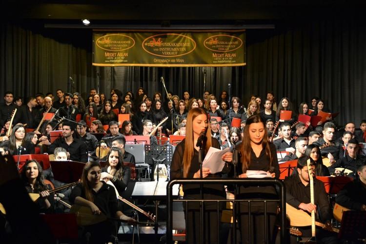 Medet Aslan'dan müthiş konser