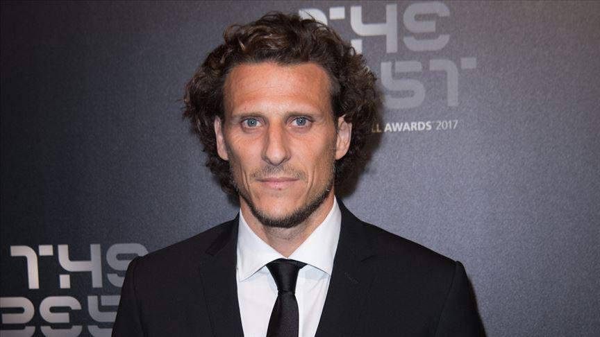 Diego Forlan futbolu bıraktı