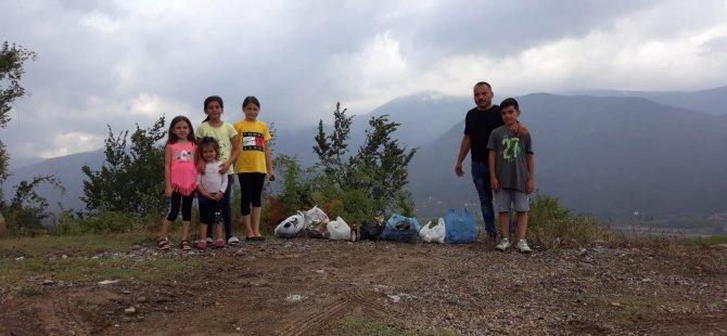 Gurbetçi aile çocukları ile çöp topladı