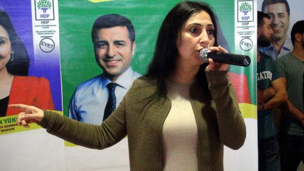 Demirtaş ve Yüksekdağ tutuklama istemiyle Sulh Ceza Hakimliğine sevk edildi