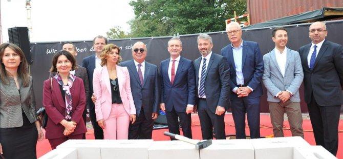 """Almanya'nın """"Kuzey Kapısı'nı"""" Türkler inşa edecek"""