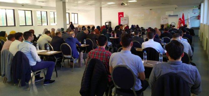 Avrupa'da imamlar Türkçe öğretecek