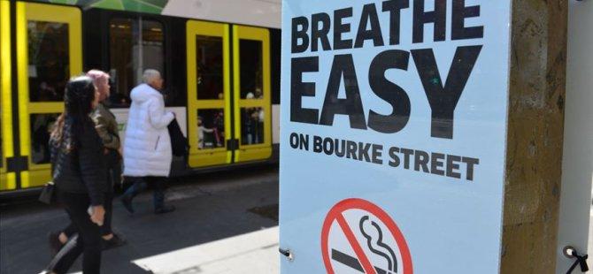 Bu caddede sigara içmek yasak