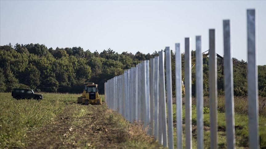 Avrupa, Berlin Duvarı'nın 6 katı duvar ördü