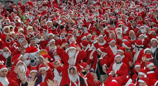 Caddeler Noel'e hazırlanıyor