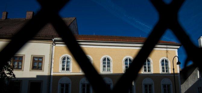 Hitler'in doğduğu ev karakol oluyor
