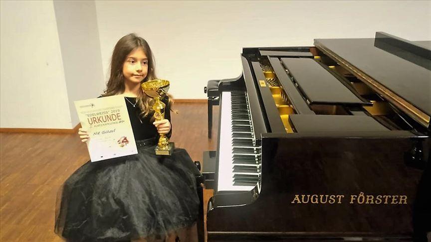'Altın kız' Nil, Viyana'dan birincilikle döndü