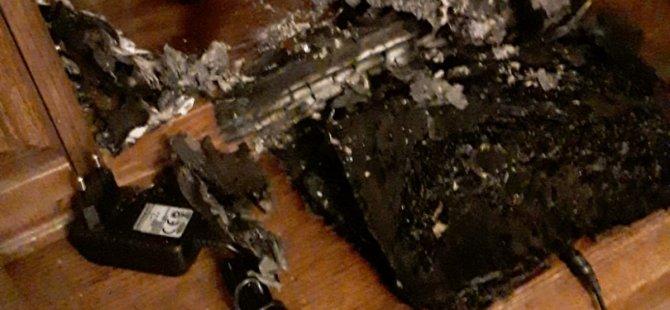 Bilgisayar üzerindeki kitap yangın çıkardı